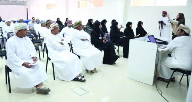 بدء اللقاءات التعريفية بجائزة السلطان قابوس للثقافة والفنون والآداب