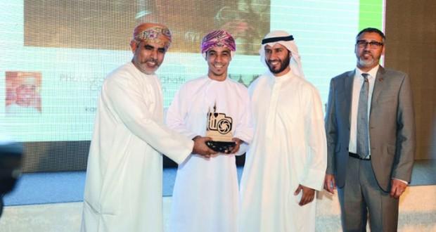 علي الغافري يتوج بالمركز الرابع بمسابقة الكويت الكبرى للتصوير