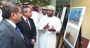 """هيثم الشنفري"""" وفيصل الرواحي""""يشاركان في معرض""""دعوها تهاجر"""" بالبحرين"""