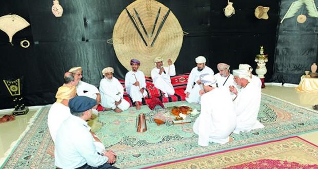 """تحت شعار """"ثقافتي عربية"""" معهد الضاد يحتفل بافتتاح برنامجه الأكاديمي للعام الجديد بجامعة نـزوى"""