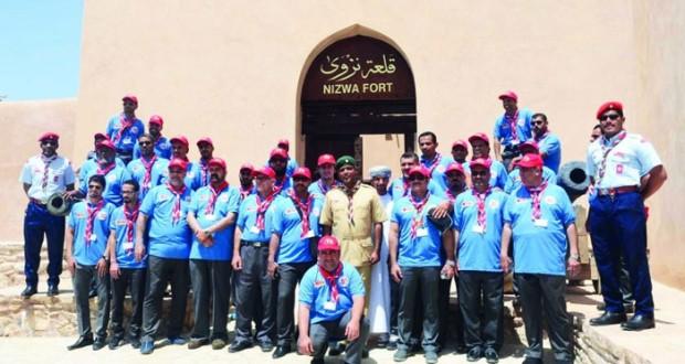 وفد كشافة مملكة البحرين يزورون معالم محافظة الداخلية