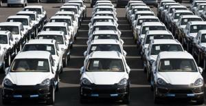 «اليورو» يطالب اليونان بتحديد إجراءات إضافية لخفض النفقات يمكن تطبيقها في حالة الطوارئ