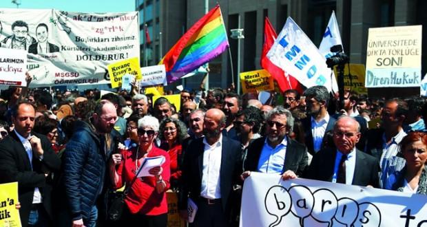 تركيا تقاضي 4 أكاديميين وصحفيين نددوا بـ(انتهاك الحريات)