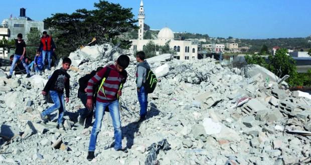 الاحتلال يواصل حملته على منازل الفلسطينيين ويهدم 8 منها في الضفة