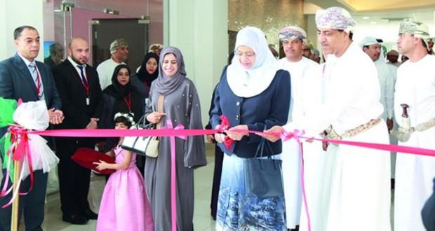 وزيرة التعليم العالي تفتتح المبنى الإضافي الجديد لكلية الخليج