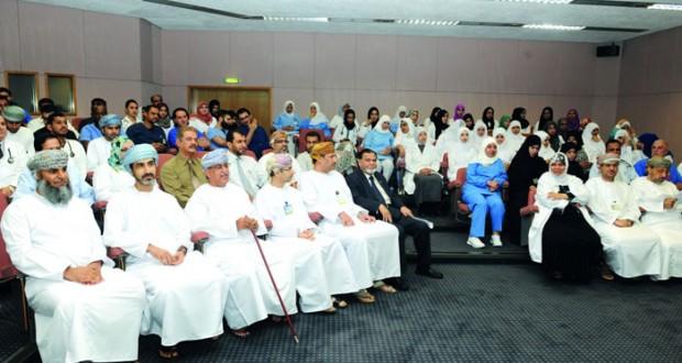 وزير الصحة يفتتح الملتقى السنوي الثاني لأطباء الباطنية بالمستشفى السلطاني
