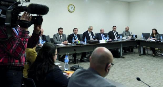 سوريا : (جنيف) تُستأنف الاثنين .. والوفد الحكومي سيناقش تعديلاته على ورقة دي ميستورا