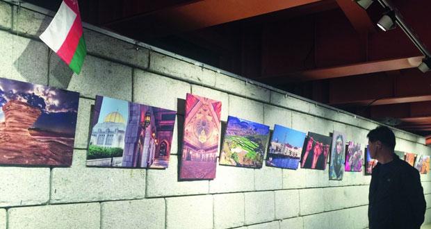 """سفارة سلطنة عمان بجمهورية كوريا تنظم معرض صور """"ملامح من عمان"""""""
