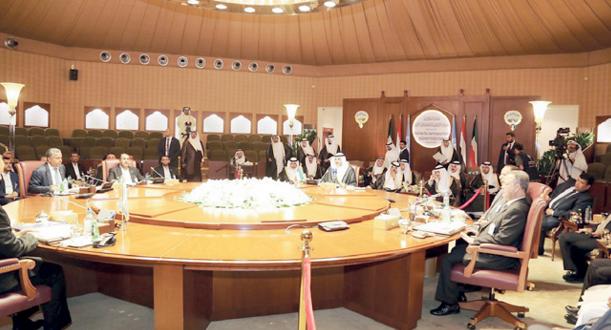 انطلاق المباحثات اليمنية في الكويت وتركيا تجمد أصول صالح