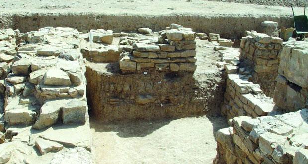 """حصن """"سلوت"""" ببهلاء يحكي عظمة التاريخ والمكان ويؤكد عمق الحضارة العمانية العريقة"""