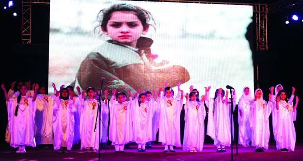 مهرجان مسرح مزون الدولي للطفل يختتم دورته الثالثة ويكرم الفائزين