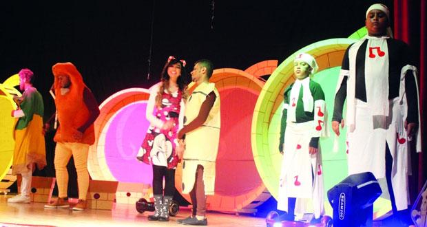 """""""فزاعة """" و""""سيمفونية مهرة"""" يختتمان عروض مهرجان مسرح مزون الدولي للطفل"""