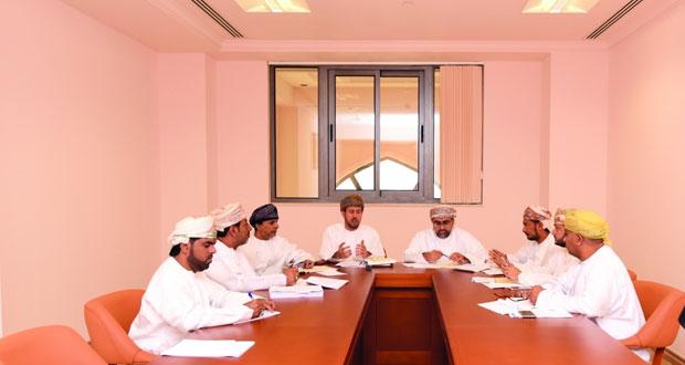 اللجنة الخاصة بمعالجة تداعيات الأزمة الاقتصادية تناقش مقترحاتها لإنعاش الاقتصاد الوطني