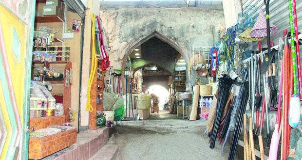 سوق الصنصرة .. روائح التوابل والحبوب لم تعد تفوح