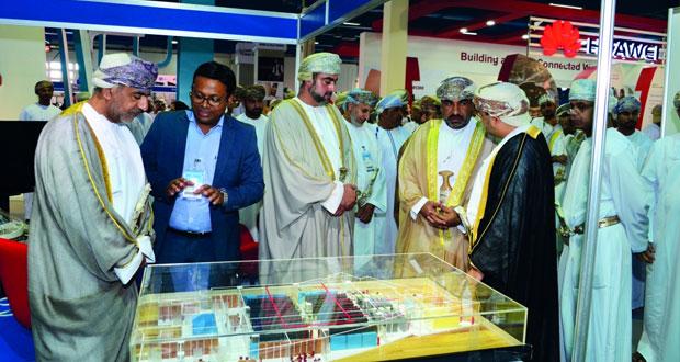 انطلاق فعاليات معرض الإتصالات وتقنية المعلومات كومكس 2016 بمركز عمان الدولي للمعارض