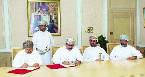 وزير الإسكان يوقع اتفاقيتين لإنشاء البنية الأساسية للمنطقة السكنية بلوى