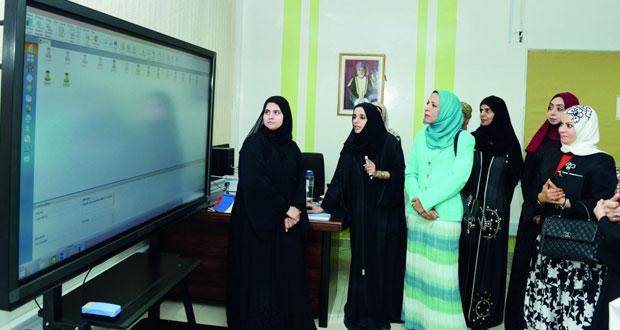وزيرة التربية : تثمن مرئيات ومقترحات المعلمين والمعلمات وهي محل تقدير واهتمام المعنيين