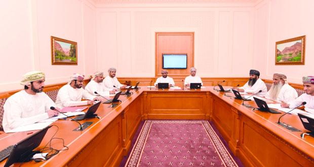 """""""قانونية"""" الشورى تناقش تعديل اللائحة الداخلية للمجلس و """"الصحية """" تواصل مناقشة بيان وزير الصحة"""