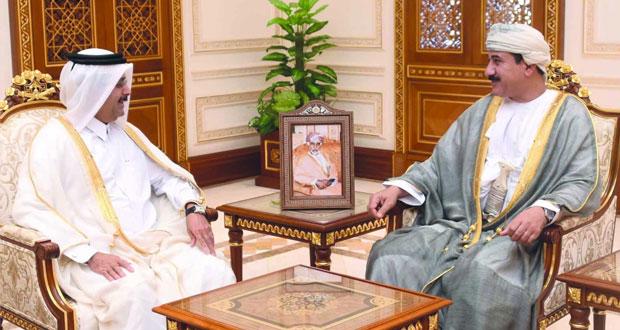 وزير المكتب السلطاني يستقبل السفير القطري