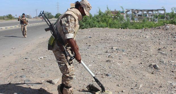 اليمن: وسط قصف للتحالف .. القوات الحكومية تنتزع مواقع من (القاعدة) بالمكلا
