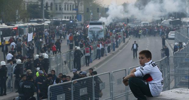 تركيا : قتيلان وعشرات الجرحى في انفجار سيارة ملغومة
