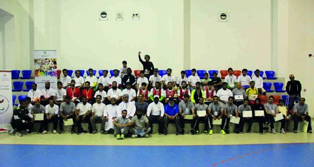 اللجنة البارالمبية العمانية تختتم فعاليات بطولة عمان الأولى لكرة الهدف