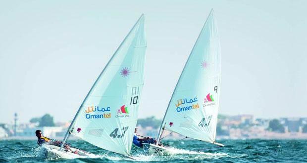 عُمانتل تعزز التزامها ببرنامج عمان للإبحار للناشئين وتتطلع لمزيد من الانجازات الرياضية للسلطنة