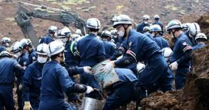 الناجون من زلزال اليابان يعانون نقصا في الغذاء والماء