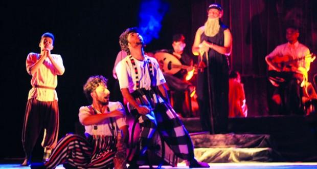 مسرحية «الدوق» تهدي معتز السلامي جائزة لجنة التحكيم التشجيعية للتمثيل