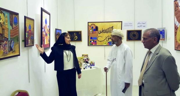 """""""عيون بغداد"""" معرض فني تشكيلي يقترب من الإنسان والتفاصيل اليومية العراقية"""
