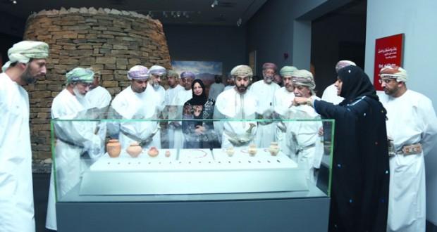 أعضاء مجلس الدولة يزورون المتحف الوطني للتعرف على مفرداته