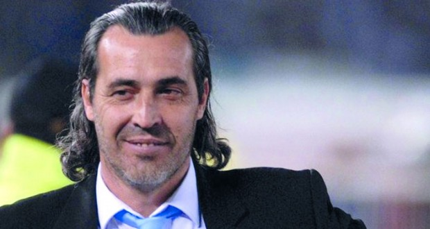 الاتحاد البحريني يفسخ عقد المدرب الأرجنتيني باتيستا