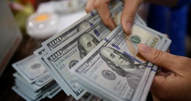 الدولار يلتقط أنفاسه بعد صعوده لأعلى مستوى في 3 أسابيع