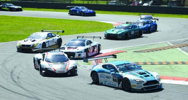 آمال عريضة لفريق عمان لسباقات السيارات لتحقيق انجاز جديد