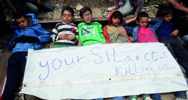 أزمة اللاجئين : اليونان رحلت نحو 6500 مهاجر وروما بريطانيا تتعهد باستقبال المزيد من الأطفال السوريين