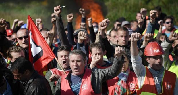 تعطل 38 ناقلة في أكبر موانئ فرنسا النفطية بسبب إضراب