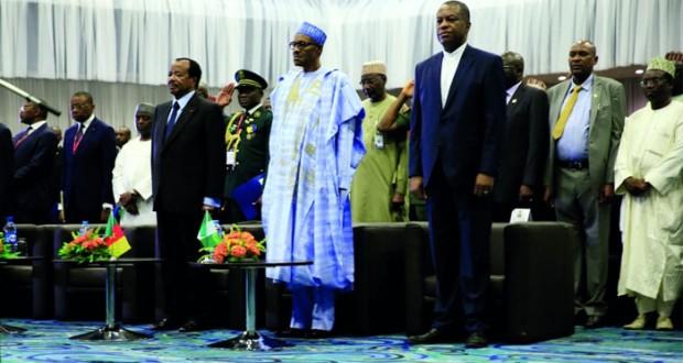 متمردون يفجرون منصة نفطية بحرية لمجموعة شيفرون بنيجيريا