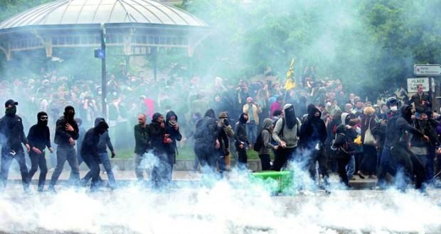 فرنسا: الإضرابات تطول المحطات النووية والحكومة تقر بإمكانية تعديل مشروع قانون العمل