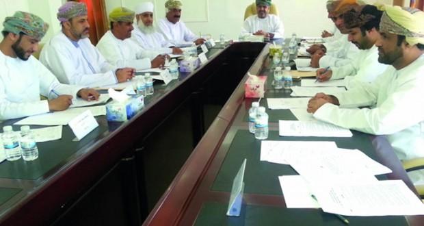 اجتماع لجنة الشئون البلدية بالسيب