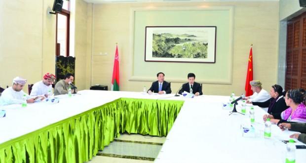 السفير الصيني يشيد بجهود السلطنة في حل القضايا الإقليمية والدولية