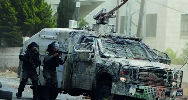 الاحتلال ينصب المتاريس وينكل بالفلسطينيين بالقدس .. ويهاجم الصيادين بغزة