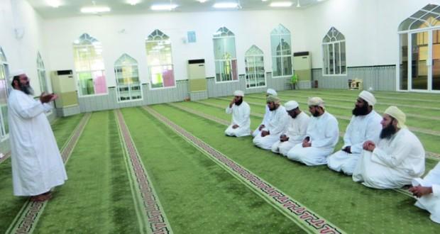 دورة تدريبية في الخطابة العملية لأئمة المساجد بالداخلية