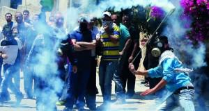 الاحتلال يقمع مسيرات الضفة ويطلق الرصاص بغزة