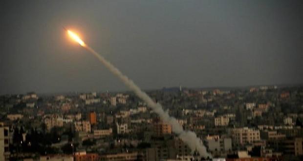 اطلاق صواريخ من غزة على اسرائيل دون اصابات