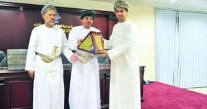 """(الكُتّاب والأدباء) تكرم الفائزين في """"الصحافة الخليجية والعربية"""" وتحتفي بمتسابقي """"فصاحة"""""""