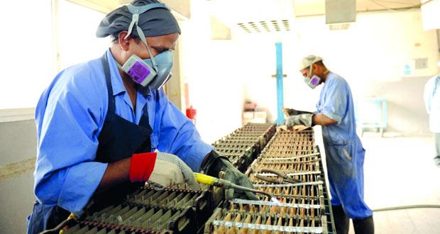 45% نسبة الأيدي العاملة الوافدة من إجمالي سكان السلطنة و٨٠ ألفا عدد المواليد العمانيين في ٢٠١٥م