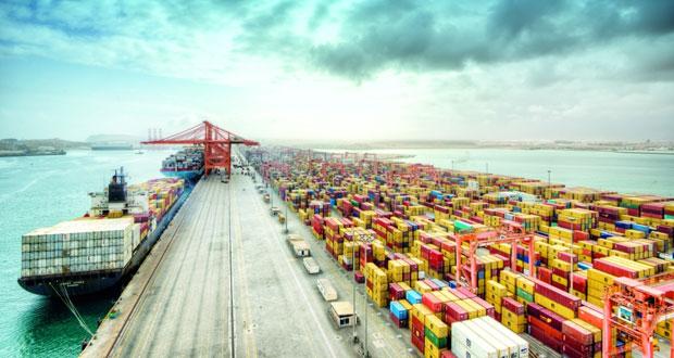 ميناء صلالة يسجل إنجازا جديدا في الإنتاجية بمحطة الحاويات