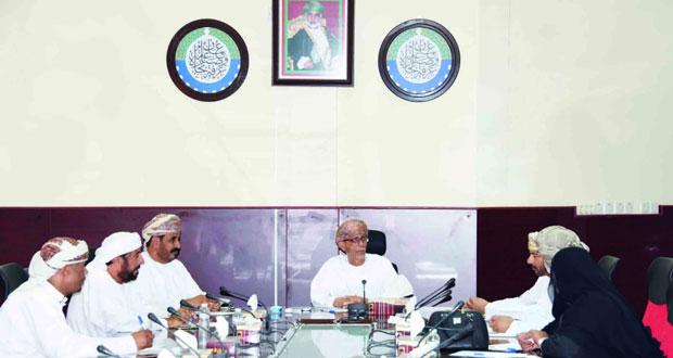 لجنة التطوير العقاري بغرفة البريمي تناقش أوضاع القطاع وتنظيمه في المحافظة