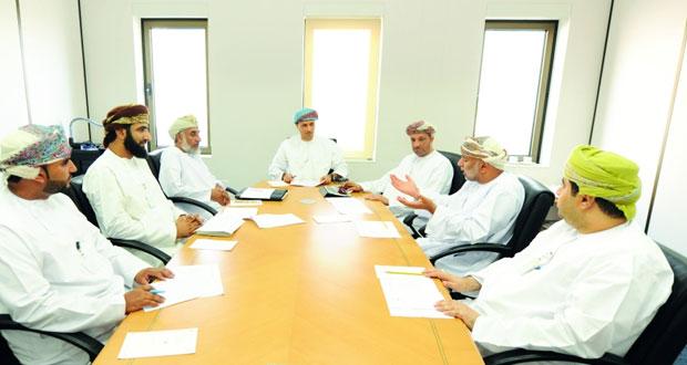 مناقشة مشـروع قرار لزيادة نسب التعمين في قطاع الكهرباء والمياه