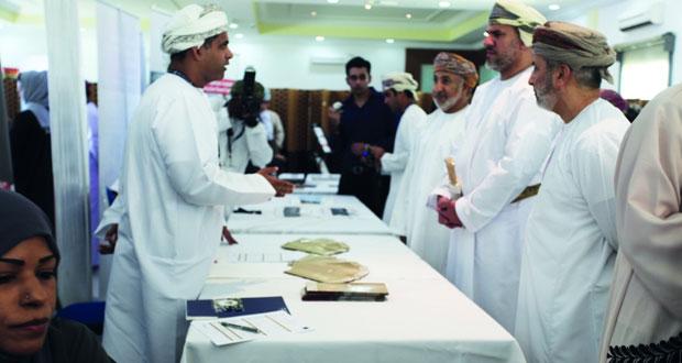 أكثر من 300 وظيفة و150 فرصة تدريب في الملتقى المهني الثاني بكلية عمان للسياحة